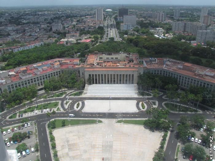 Дворец Революции