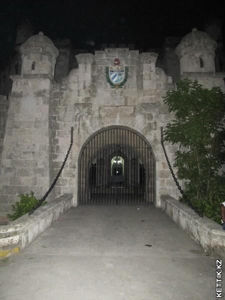 Ворота полицейского управления