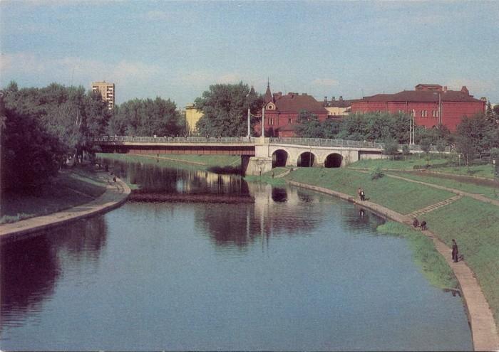 Набережная реки Орлик