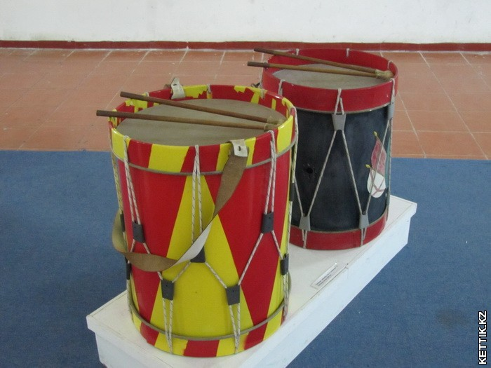 Военные барабаны