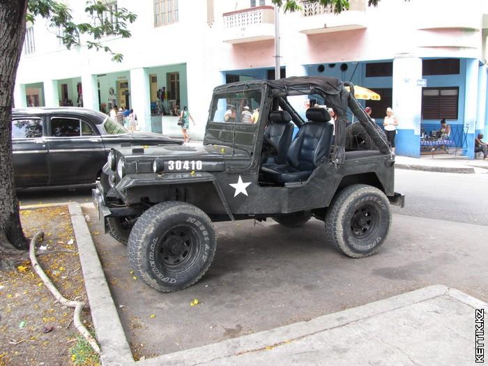 Джип на Кубе