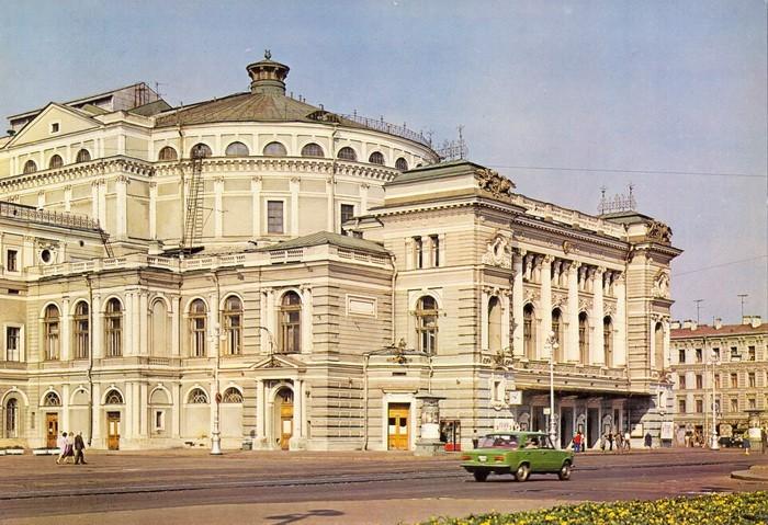 Ленинградский академический театр