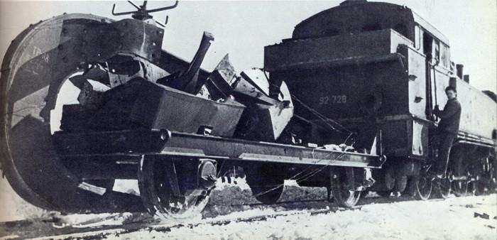 Плуг для разрушения железных дорог