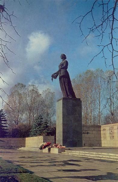 Статуя Матери-Родины
