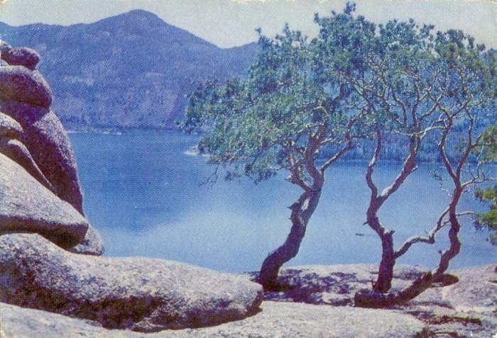 На берегу озера Жасыбай