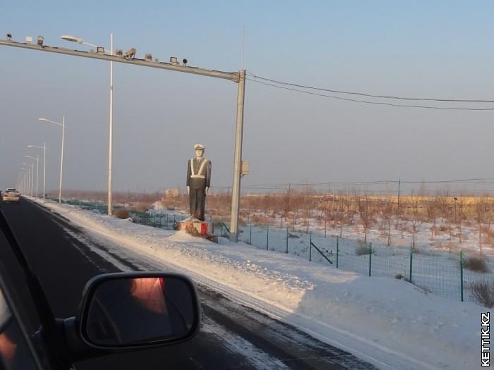 Статуя ГАИшнику