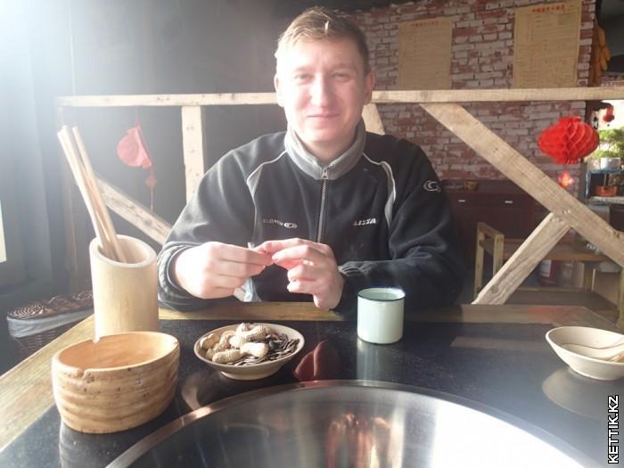За столом в Китае