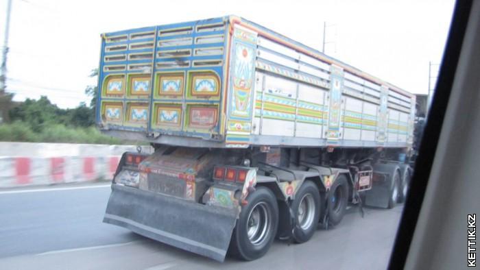 Тайский грузовик