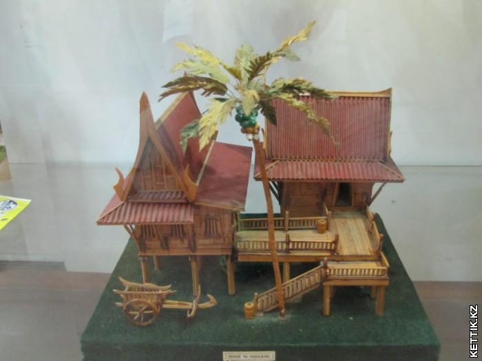 Модель деревенского дома