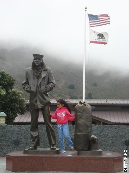 памятник моряку2