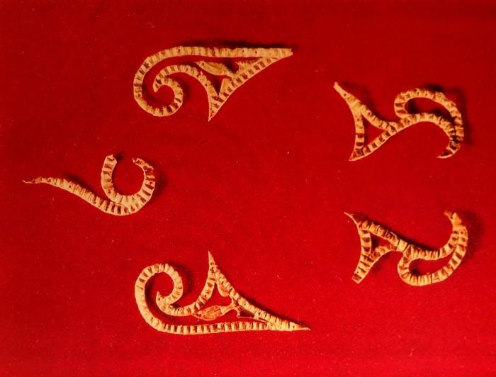 Пластинки фигурные золото
