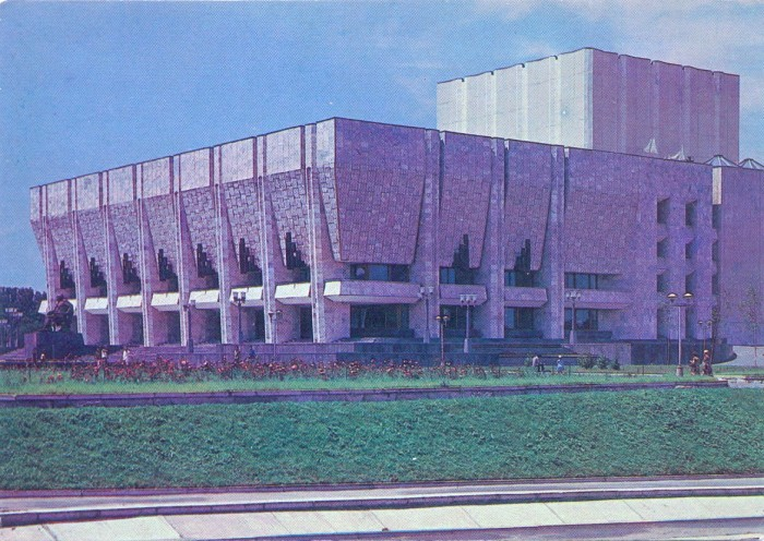 Театр Ауэзова