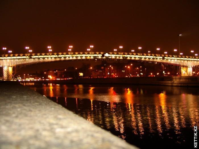 Мост через Москву