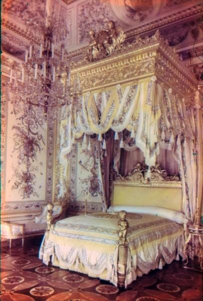 Парадная спальня