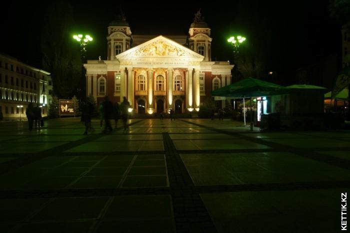 Театр Вазова