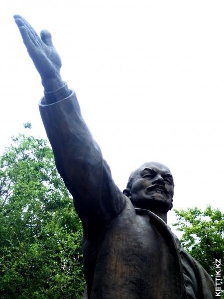 Ленин Вучетич