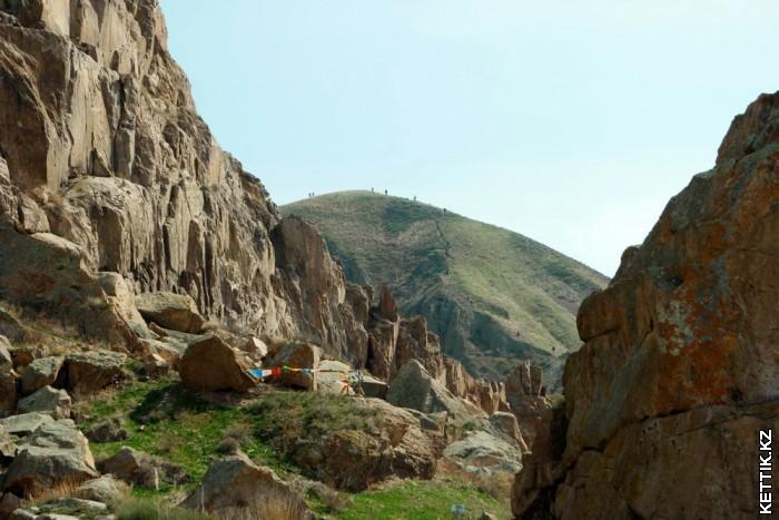 Писанные скалы