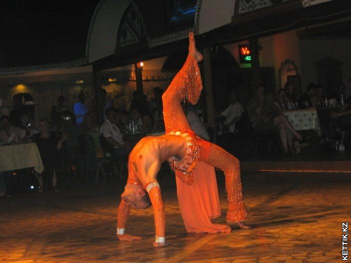Танец живота мужчина