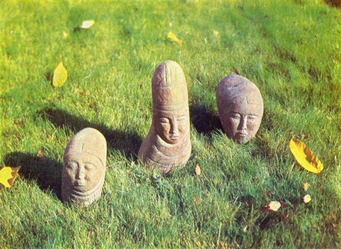 Камни веков