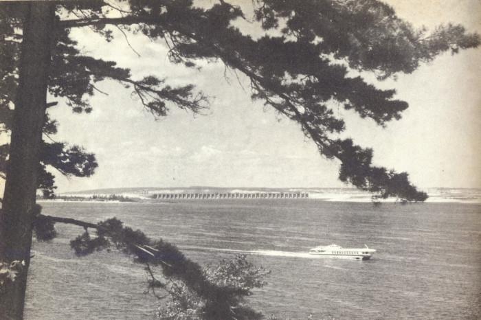 Плотина Волжской ГЭС