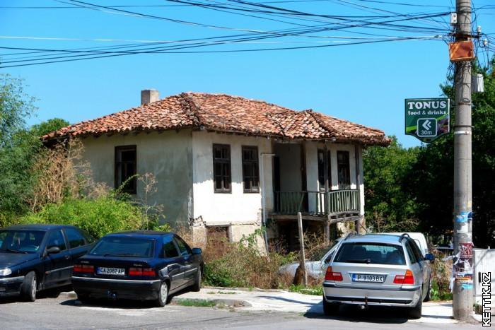 Старый болгарский дом
