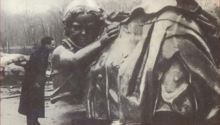 Ребенок у солдата