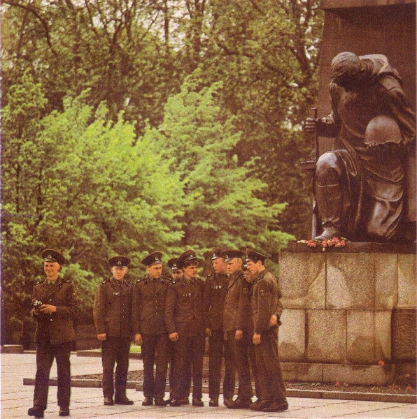 Советские солдаты в Германии