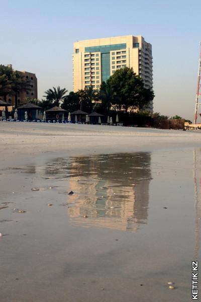 Отражение в песке