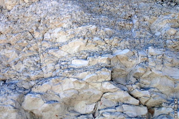 Белые скалы Поверхность